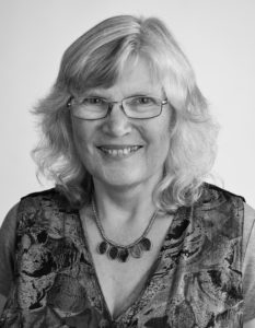 Elisabeth Skinner MBE FSLCC, Academic Leader