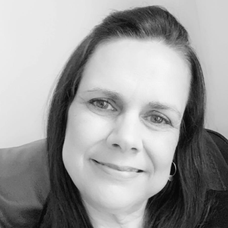 Rosemary Smart PSLCC, Clerk to Earls Barton Parish Council.